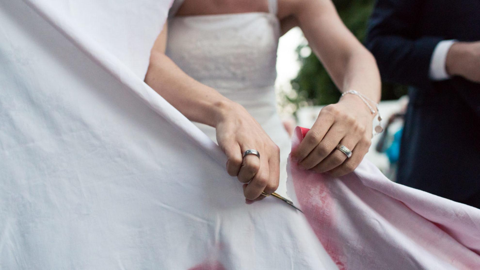 Hochzeitsherz ausschneiden