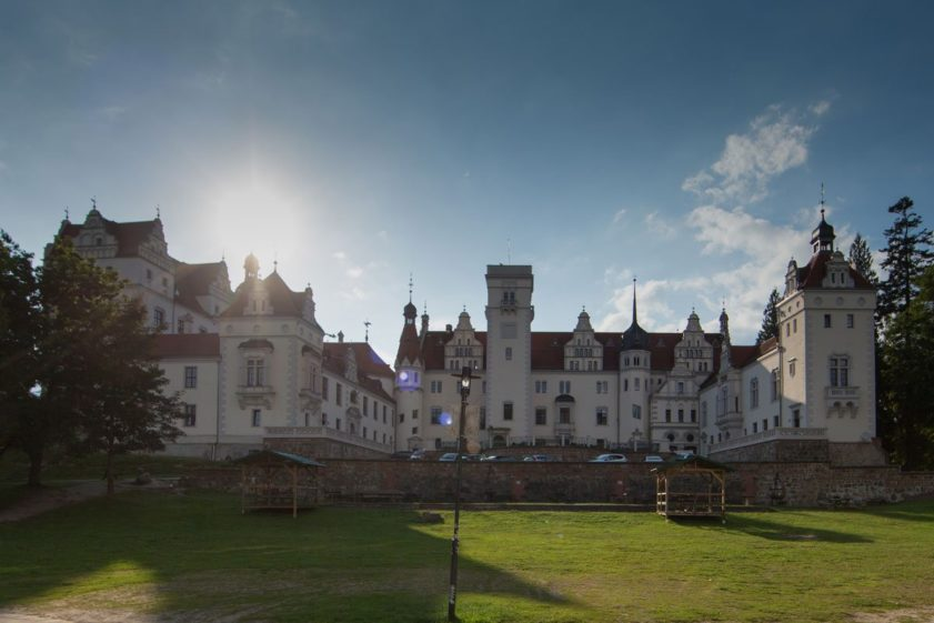top-10-hochzeitslocations, hochzeitsschloesser, hochzeitslocation-brandenburg, hochzeit-am-see - Hochzeit Schloss Boitzenburg