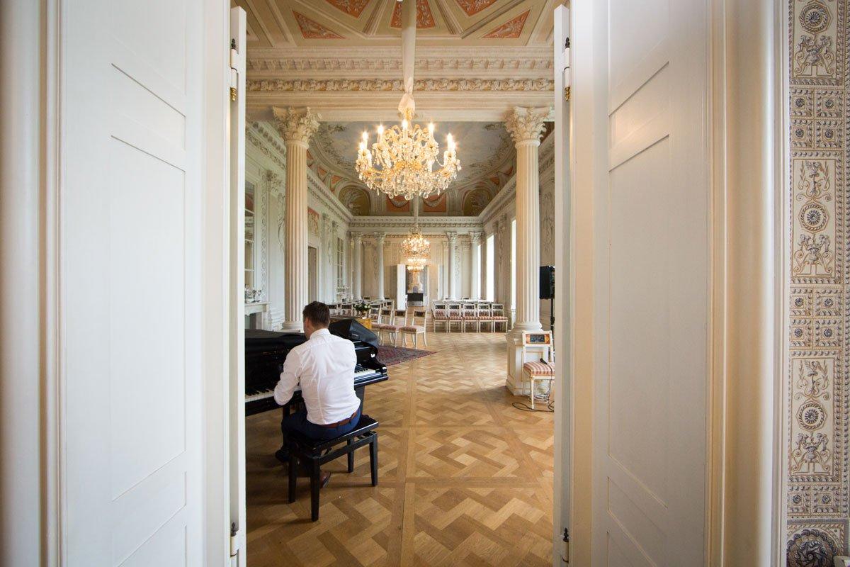 - Hochzeit_Schloss_Friedrichsfelde-(9-von-8)