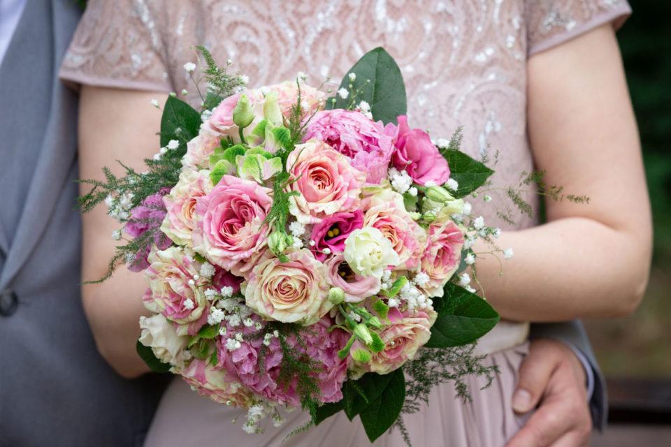 Brautstrauß pastel Rosen –  Roberto und Katrin