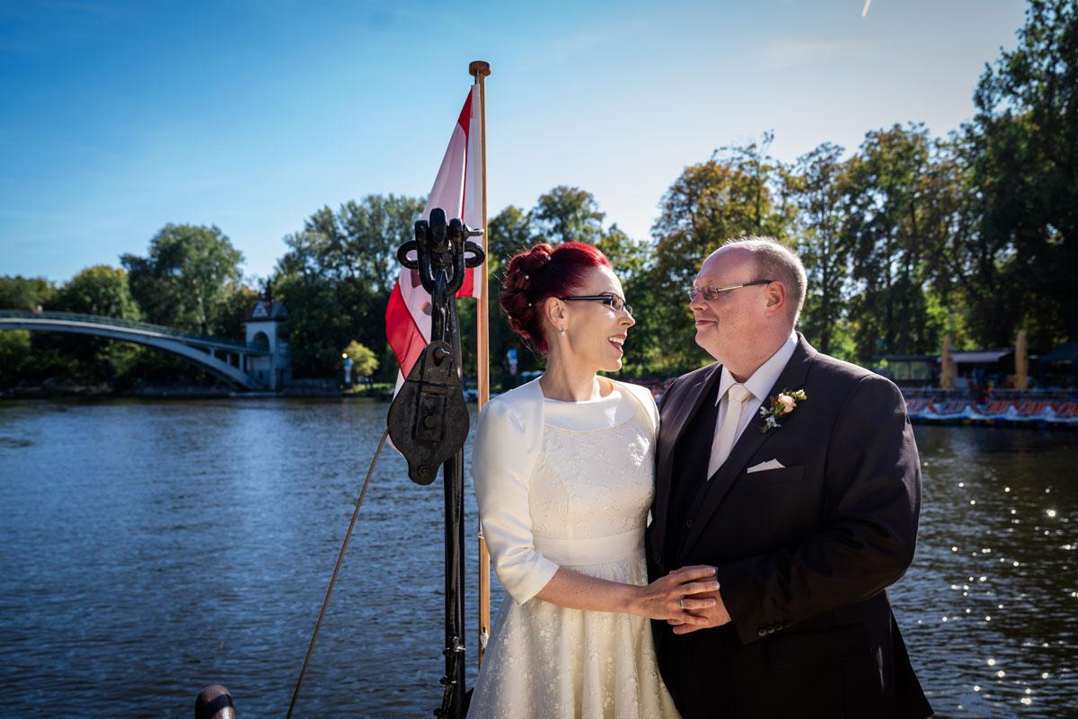 - Hochzeitsfotos-Lighthouse-White-Spreelounge-(11-von-24)