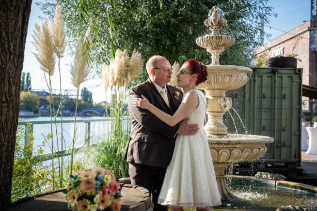 Hochzeitsfotos-Lighthouse-White-Spreelounge-(17-von-24)