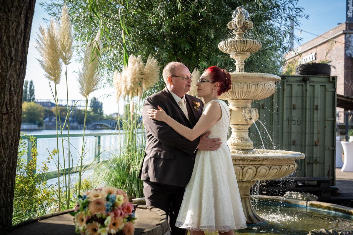 - Hochzeitsfotos-Lighthouse-White-Spreelounge-(17-von-24)