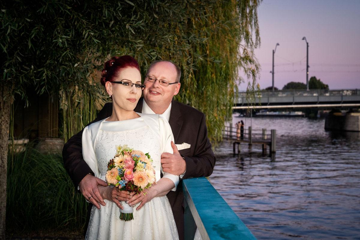Hochzeitsfotos-Lighthouse-White-Spreelounge-(19-von-24)