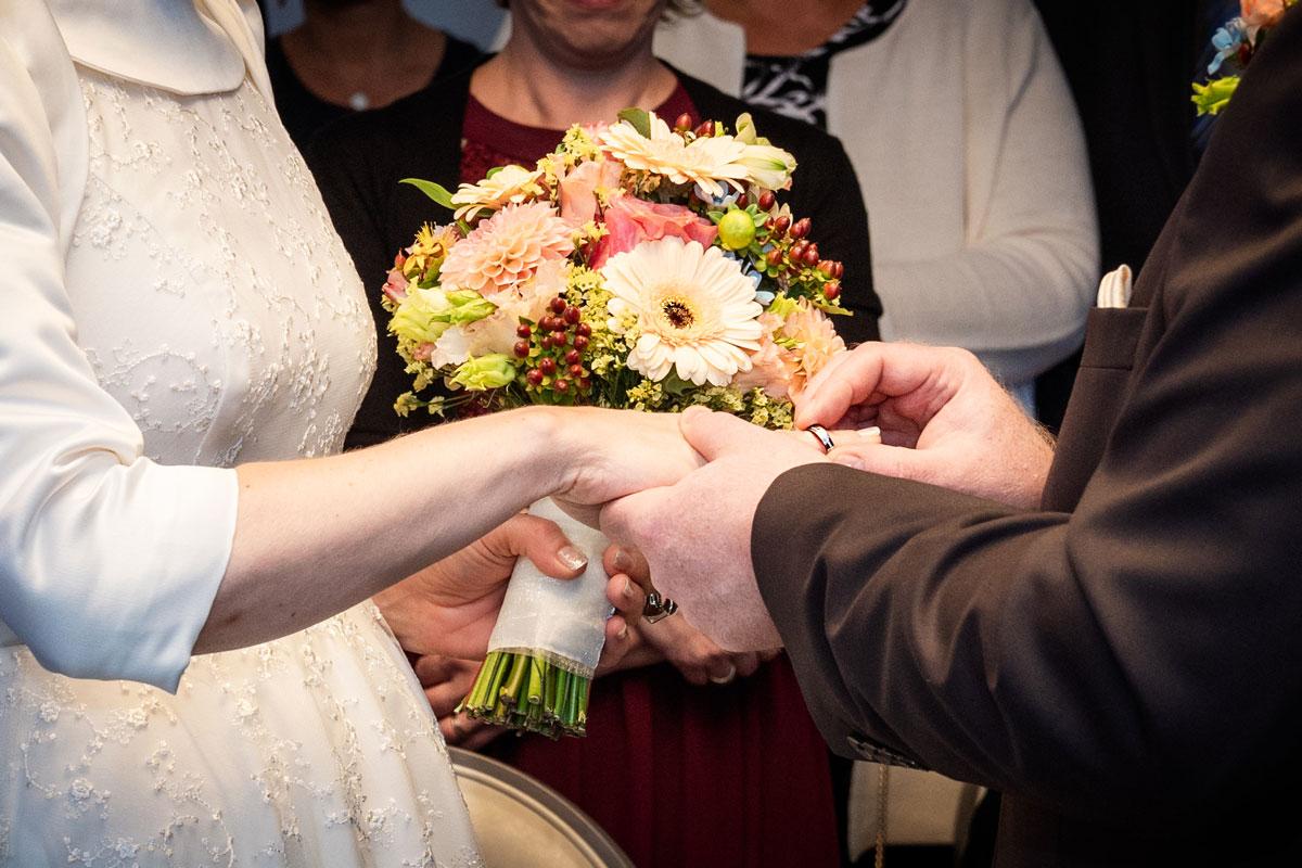 Hochzeitsfotos-Lighthouse-White-Spreelounge-(7-von-24)