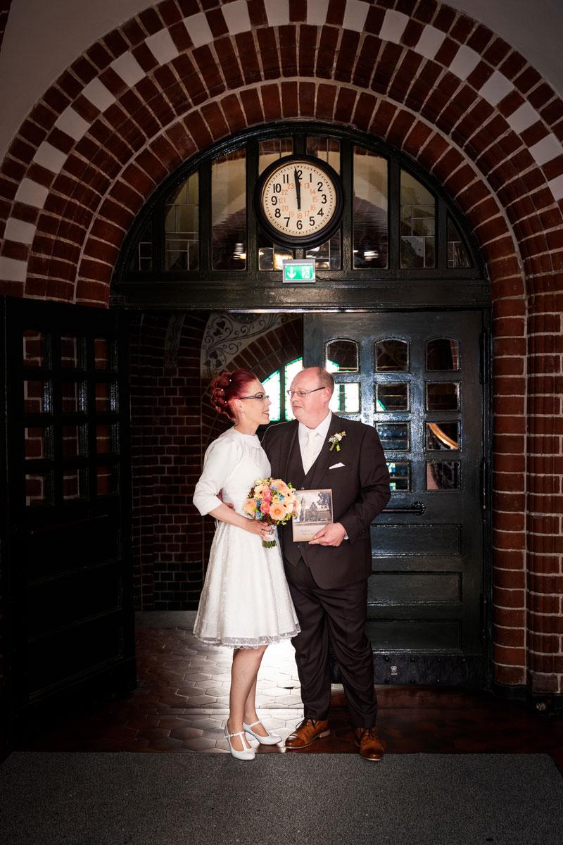 - Hochzeitsfotos-Lighthouse-White-Spreelounge-(9-von-24)